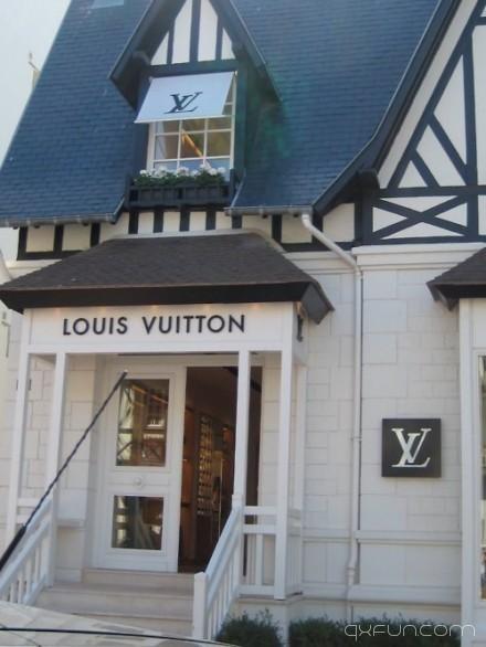 有见过这么可爱的LOUIS VUITTON店吗?