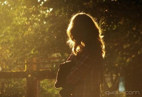 真正爱你的人会一直爱你 -清新范(Qxfun.com)