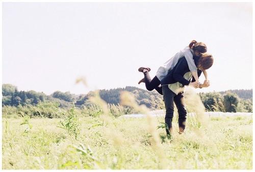 爱情最怕好起来不给对方空间,恨起来不给对方机会 -清新范(Qxfun.com)