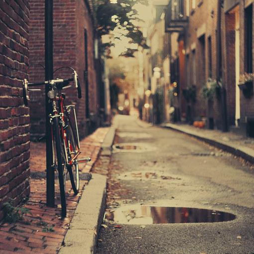 离开一个地方,风景就不再属于你;错过一个人,那人便再与你无关。