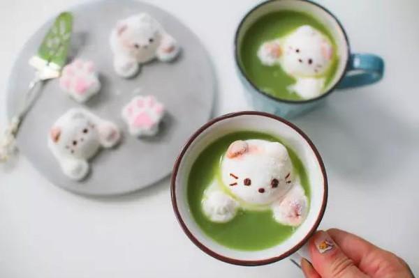 世上最温暖的,是妈妈做的饭之抹茶拿铁里的猫咪棉花糖