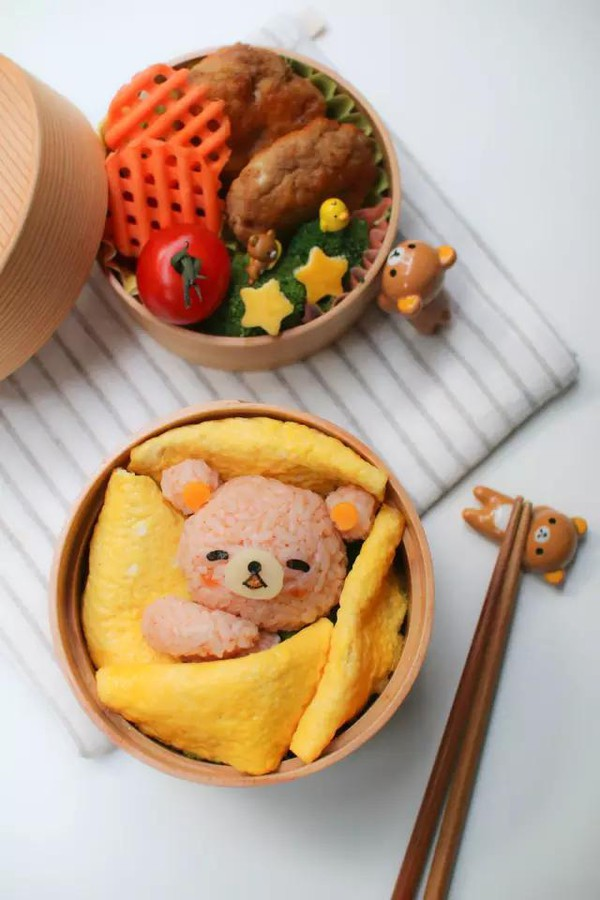 世上最温暖的,是妈妈做的饭之睡着的熊盒饭