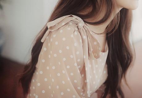 有些痛,说不出来,只能忍着,直到能够慢慢淡忘。