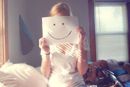 如果看到你的朋友没有笑颜,那就冲TA笑一个吧。