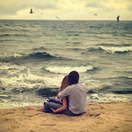 一人一半,是伴。一人一口,是侣。伴侣就是:每天一起吃东西的两个人。
